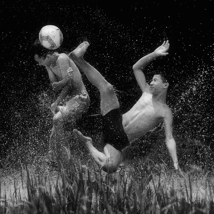 Photograph Water ball by Vincent Chung on 500px