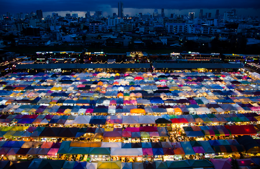 Ratchada Train Night market by Hongze Li on 500px.com