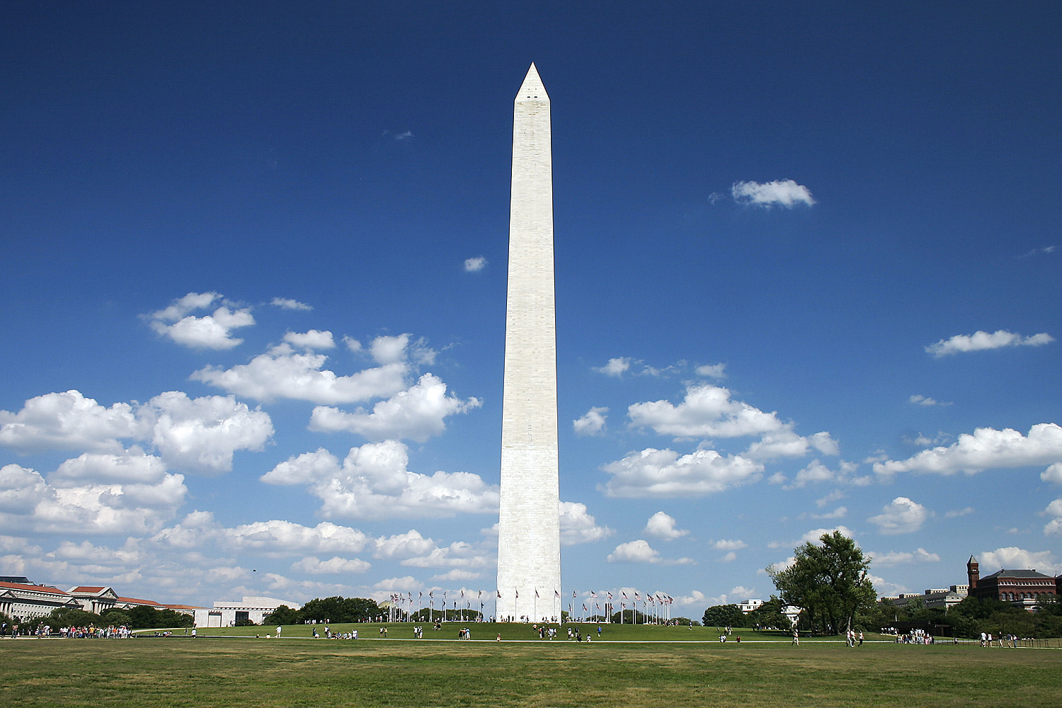 Photograph The Washington Monument by Andrew Romaneschi on 500px