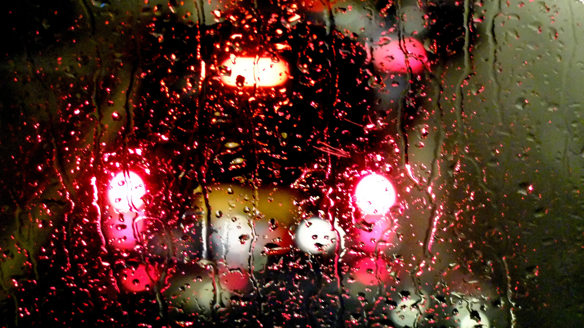 Photograph London cab in rain by Dana Pavel on 500px