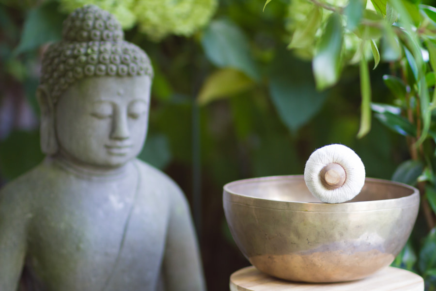 singing bowl & Buddha