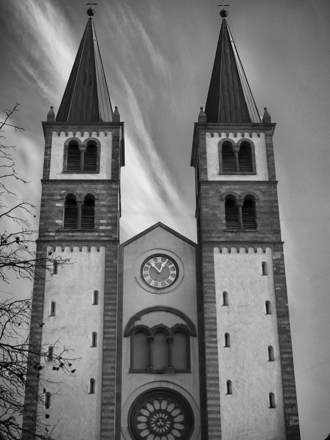 2 towers by Meriuţă Cornel | 500px.com