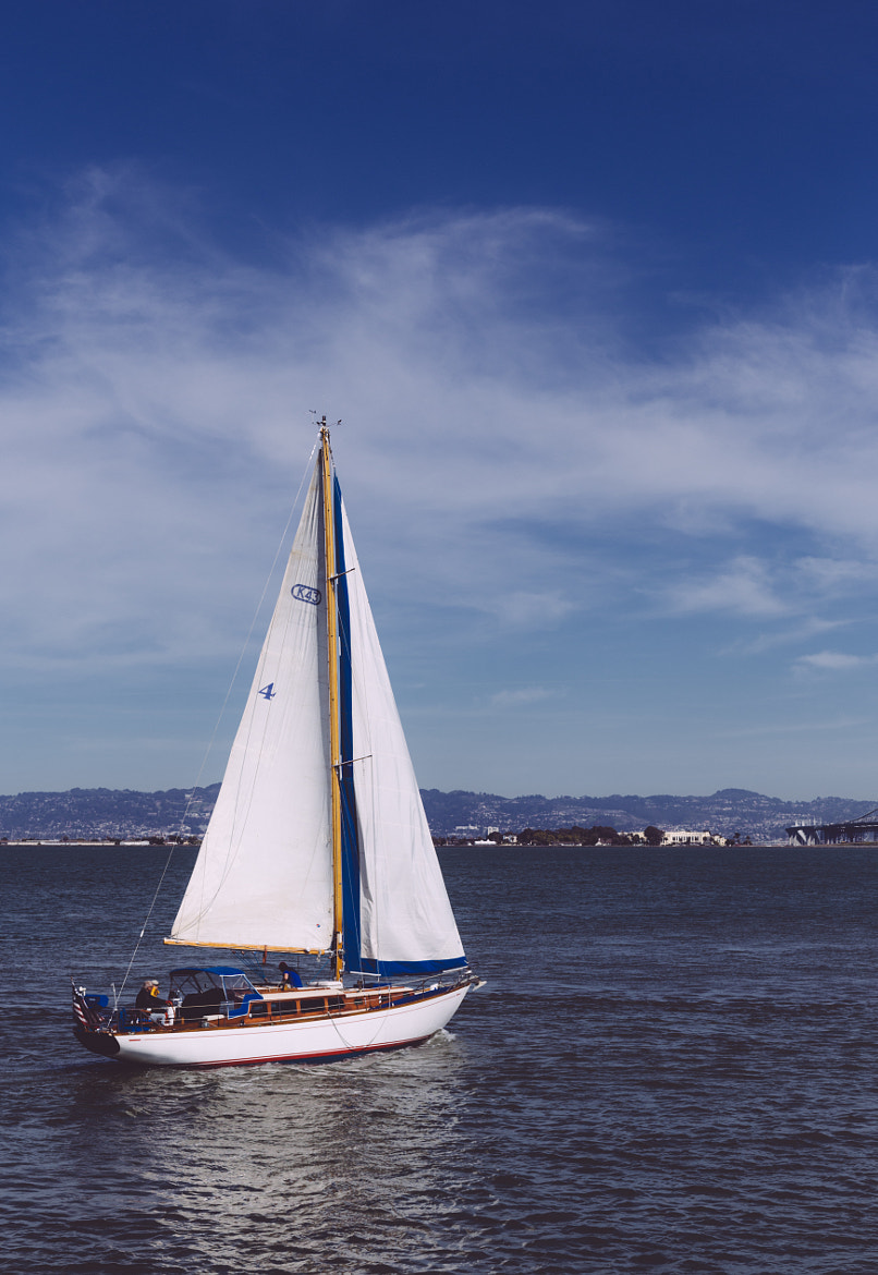 Photograph Boats around Alcatraz by Carlos Espinal on 500px