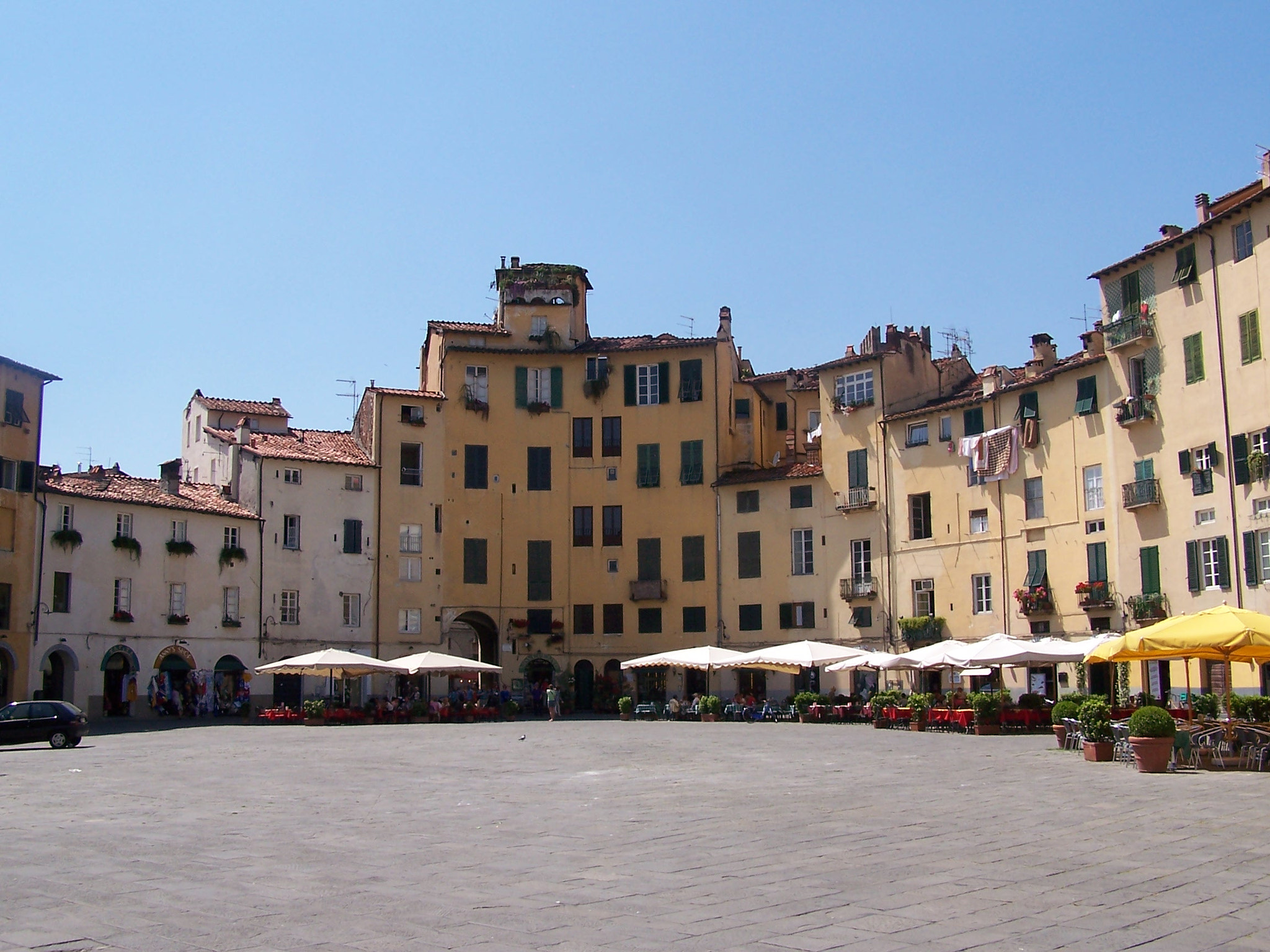 Photograph Piazza a Lucca  by Marcello  Savaia on 500px