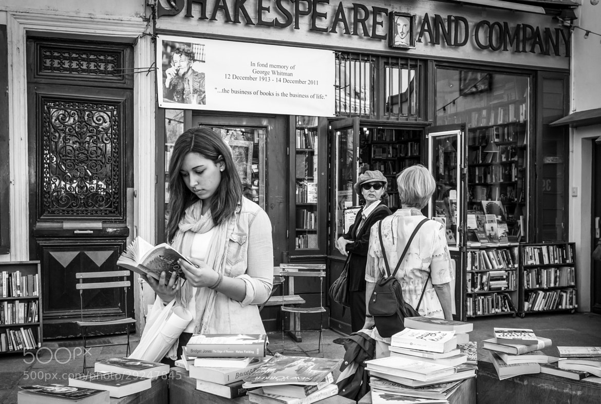 Photograph Shakespeare & co. by Pilar   Silvestre             *Moneypenny* on 500px
