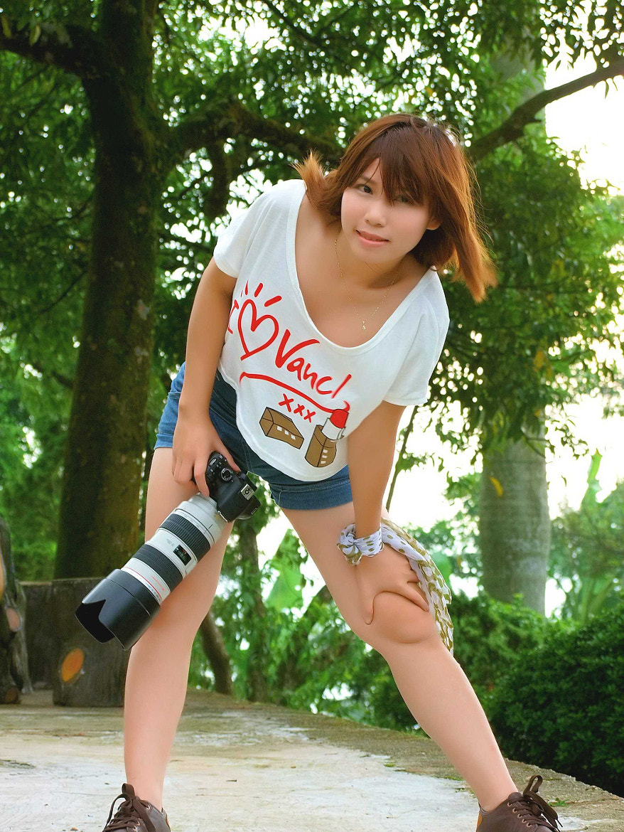 Photograph Female photographer modeling by Khoi Tran Duc on 500px