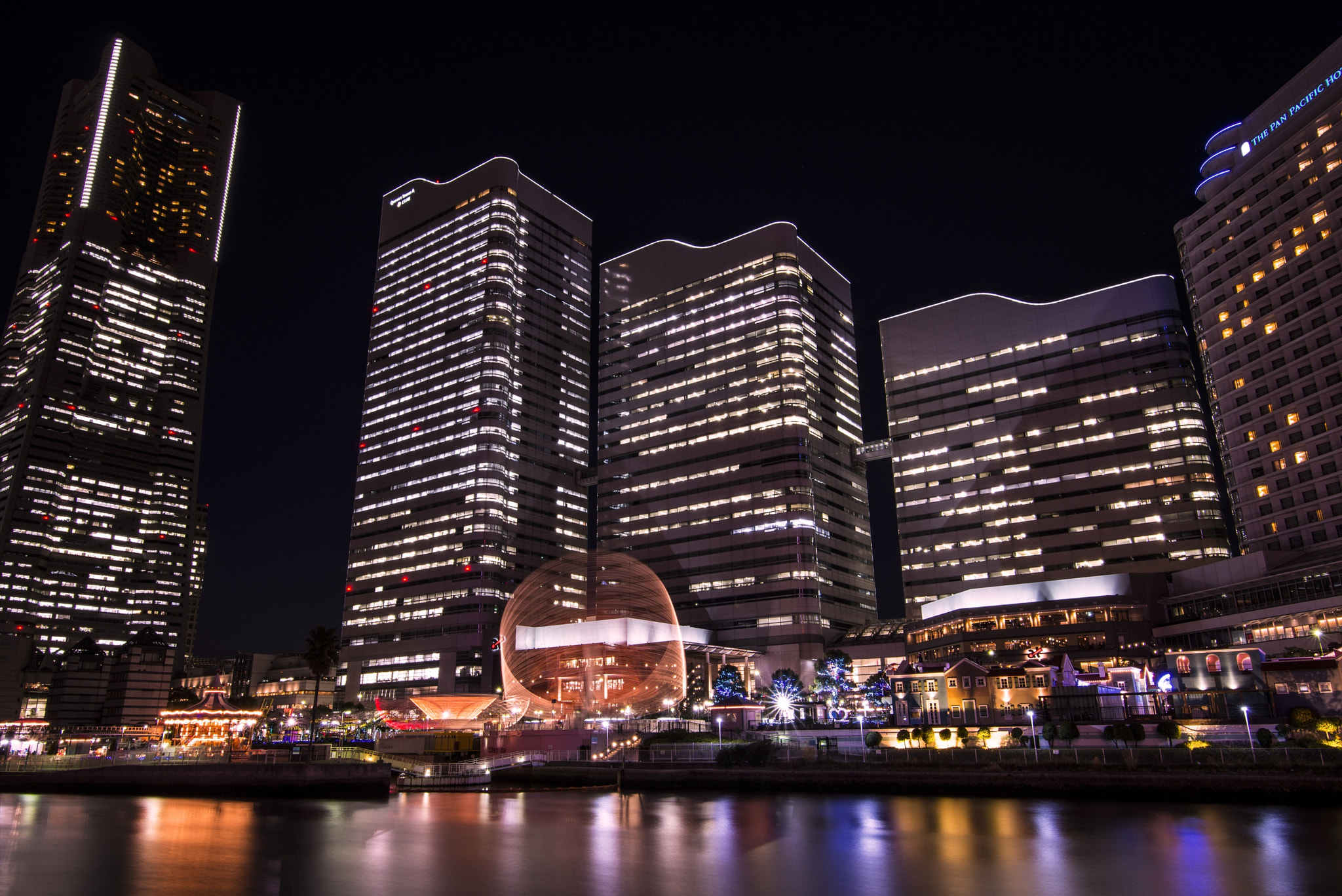 Photograph Welcome to Minato Mirai by hugh dornan on 500px