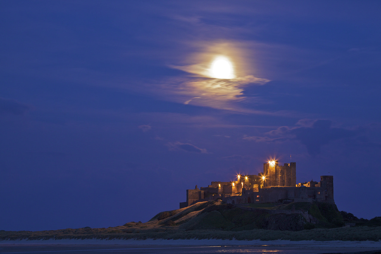 Photograph Bamburgh castle at night by Sylwia Domaradzka on 500px