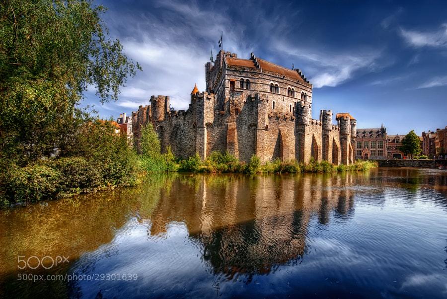Photograph Gravenstein Castle, Gent, Belgium  by Iván Maigua on 500px