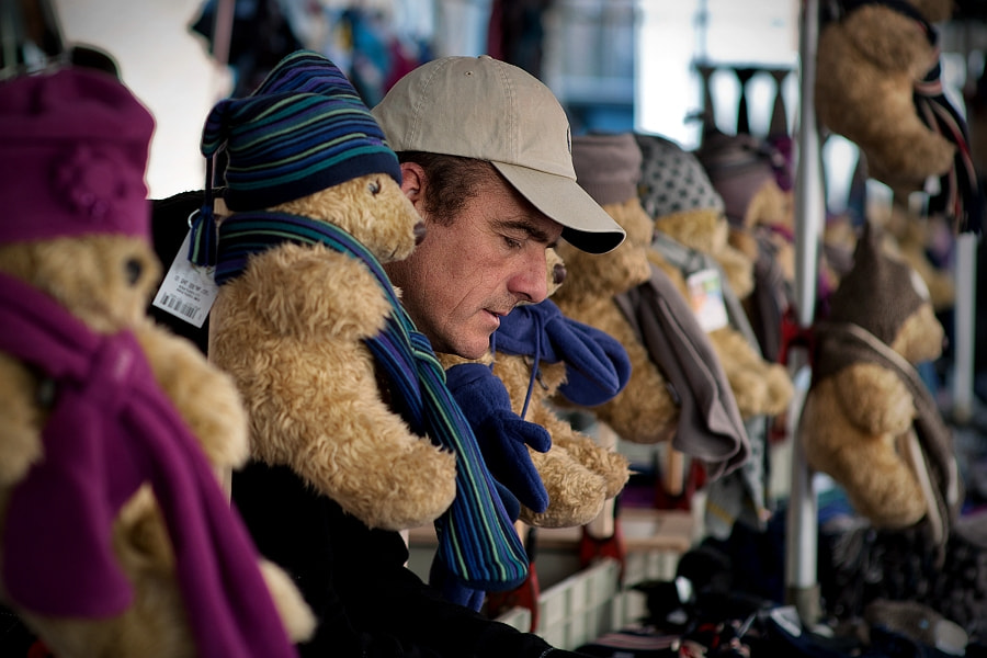 the teddybear seller