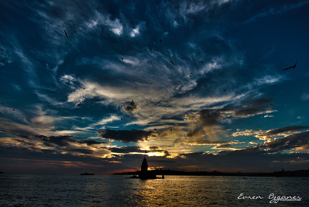 Photograph The Maiden's Tower by Evren Özgüner on 500px