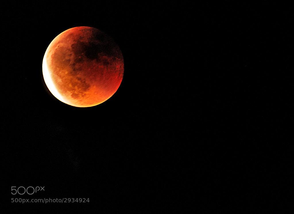Photograph Eclipse de lluna by Blanca Martinez- Ribes on 500px