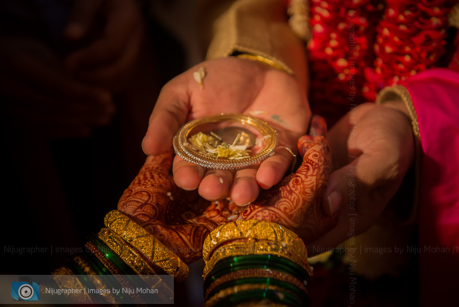 Photograph Hindu wedding in Goa - Bangle by Niju Mohan on 500px