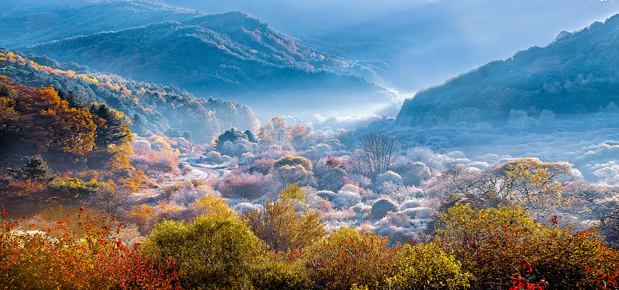 secret valley by Sung Hwan Lee on 500px.com