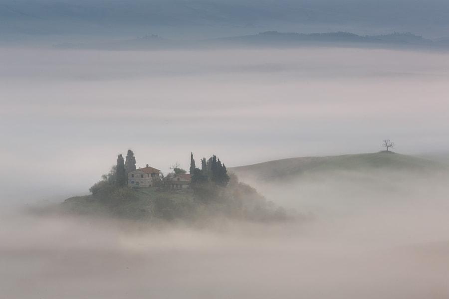 Far Away in the Clouds oleh Iurie Belegurschi di 500px.com