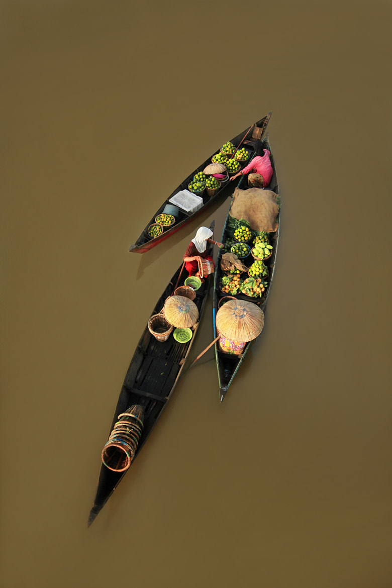 Photograph floating market by Ayie  Permata Sari on 500px