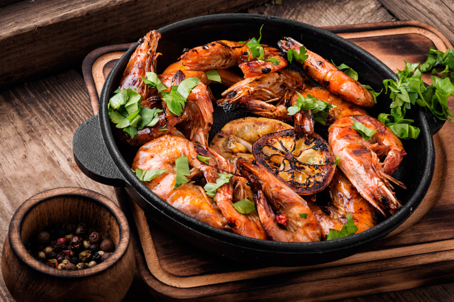 Delicious roasted shrimps by Mykola Lunov on 500px.com