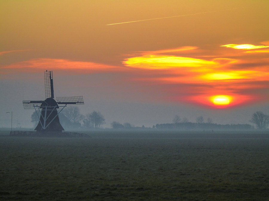Hazy sunrise by Lars  on 500px.com