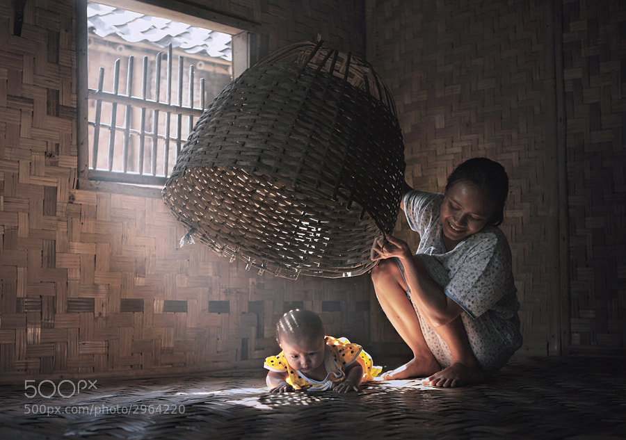 please help me mom..! by firdaus musthafa (firdausmusthafa) on 500px.com