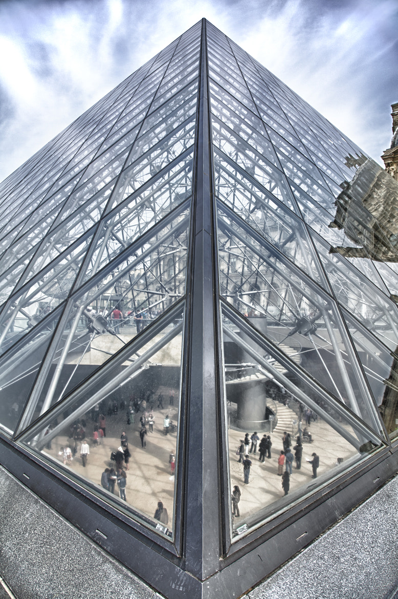 Photograph Pyramide du Louvre by Nick Sarnoff on 500px
