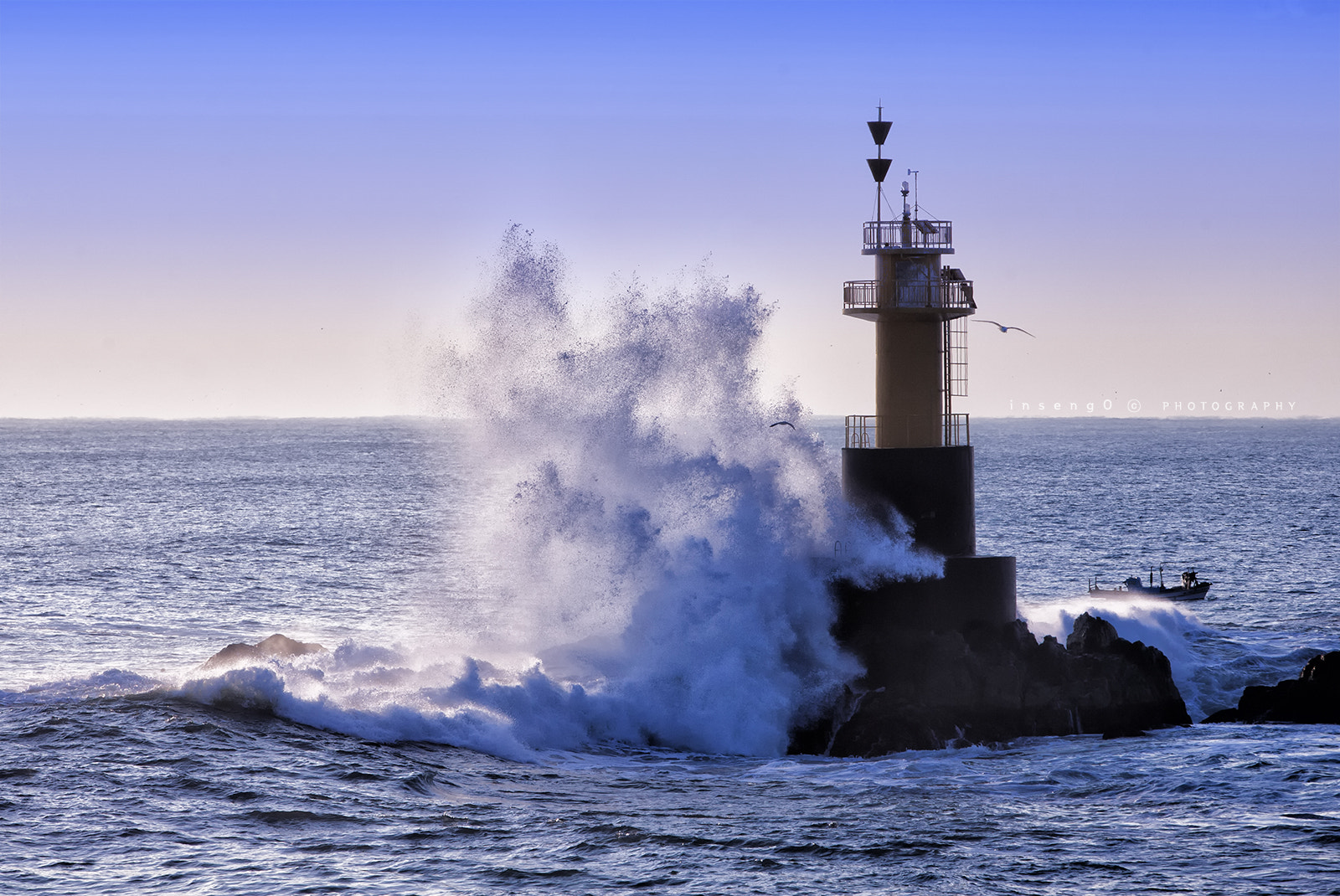 Photograph Defence of Lighthouse by chan-wook Kim on 500px