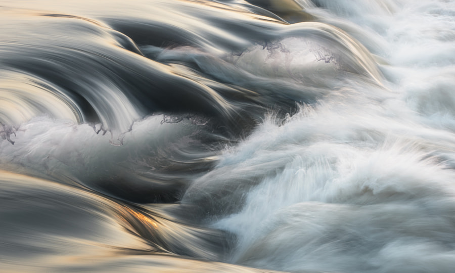 Breaking the waves III by Adrian Borda on 500px.com