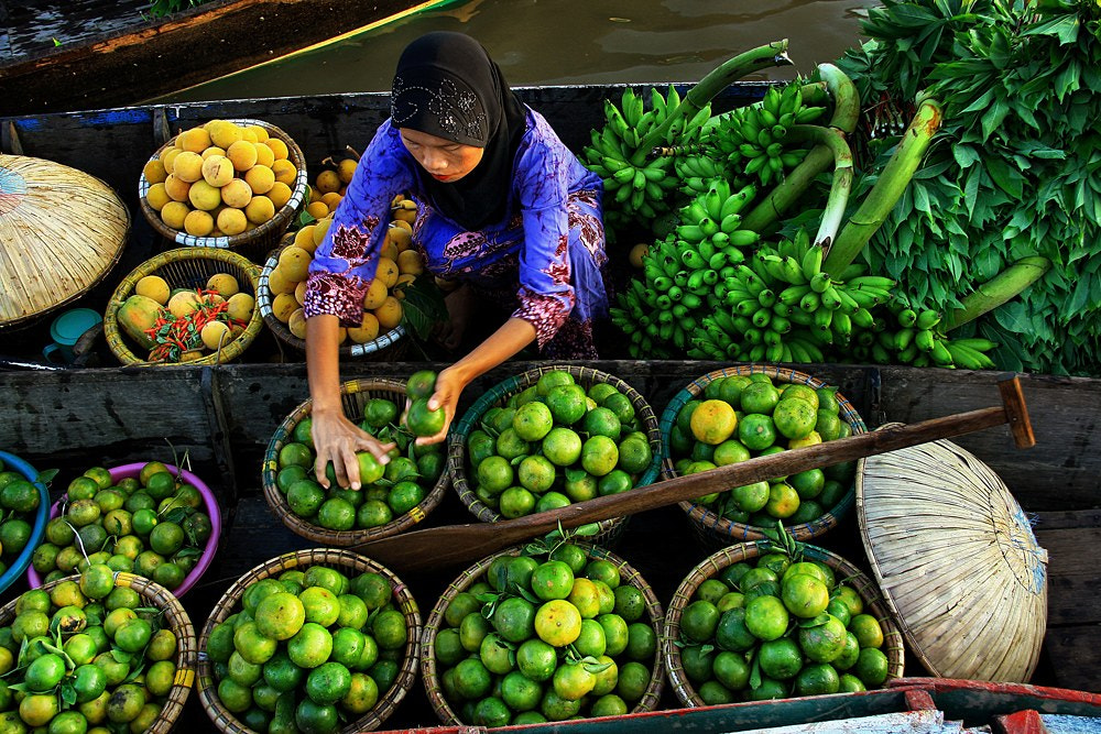 Photograph Penjual Buah by Hary Muhammad on 500px