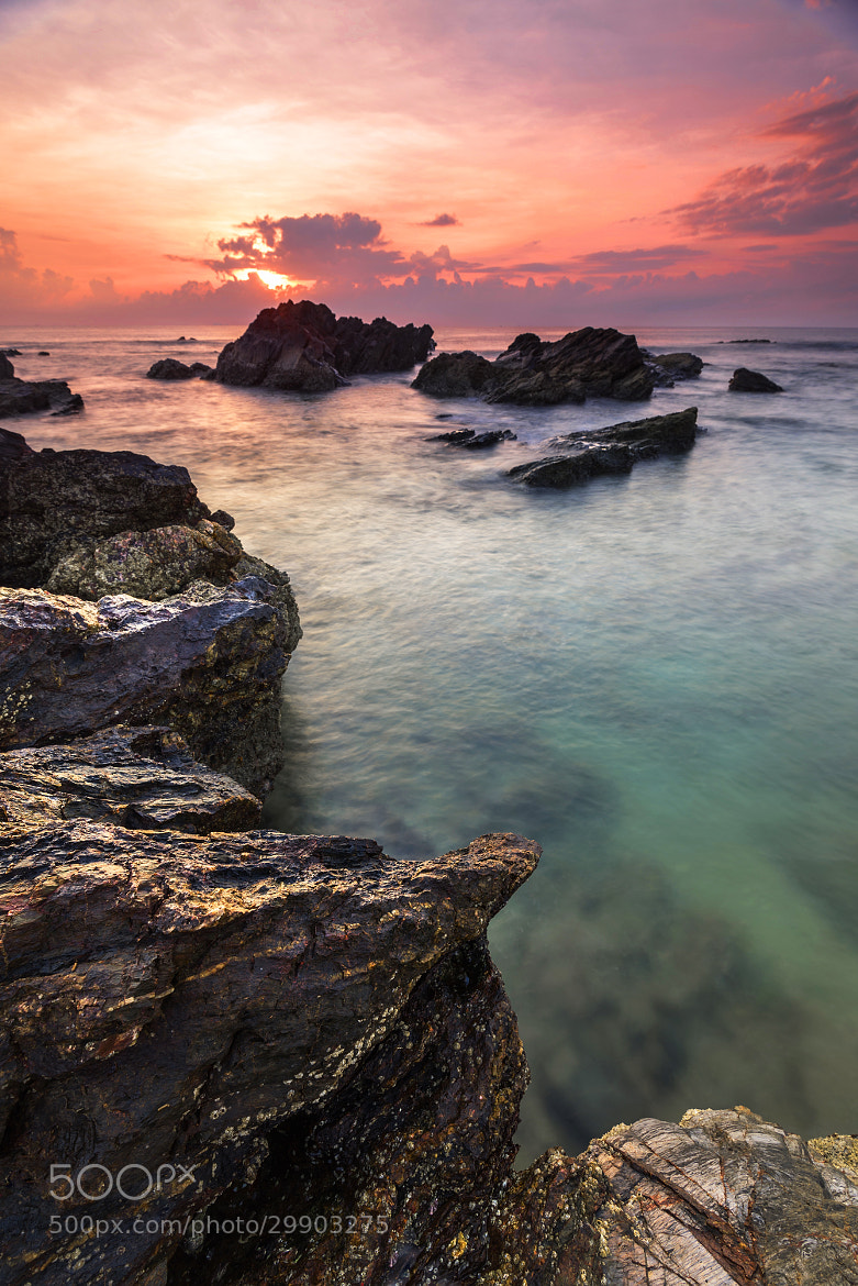 Photograph on the edge by Mk Azmi on 500px