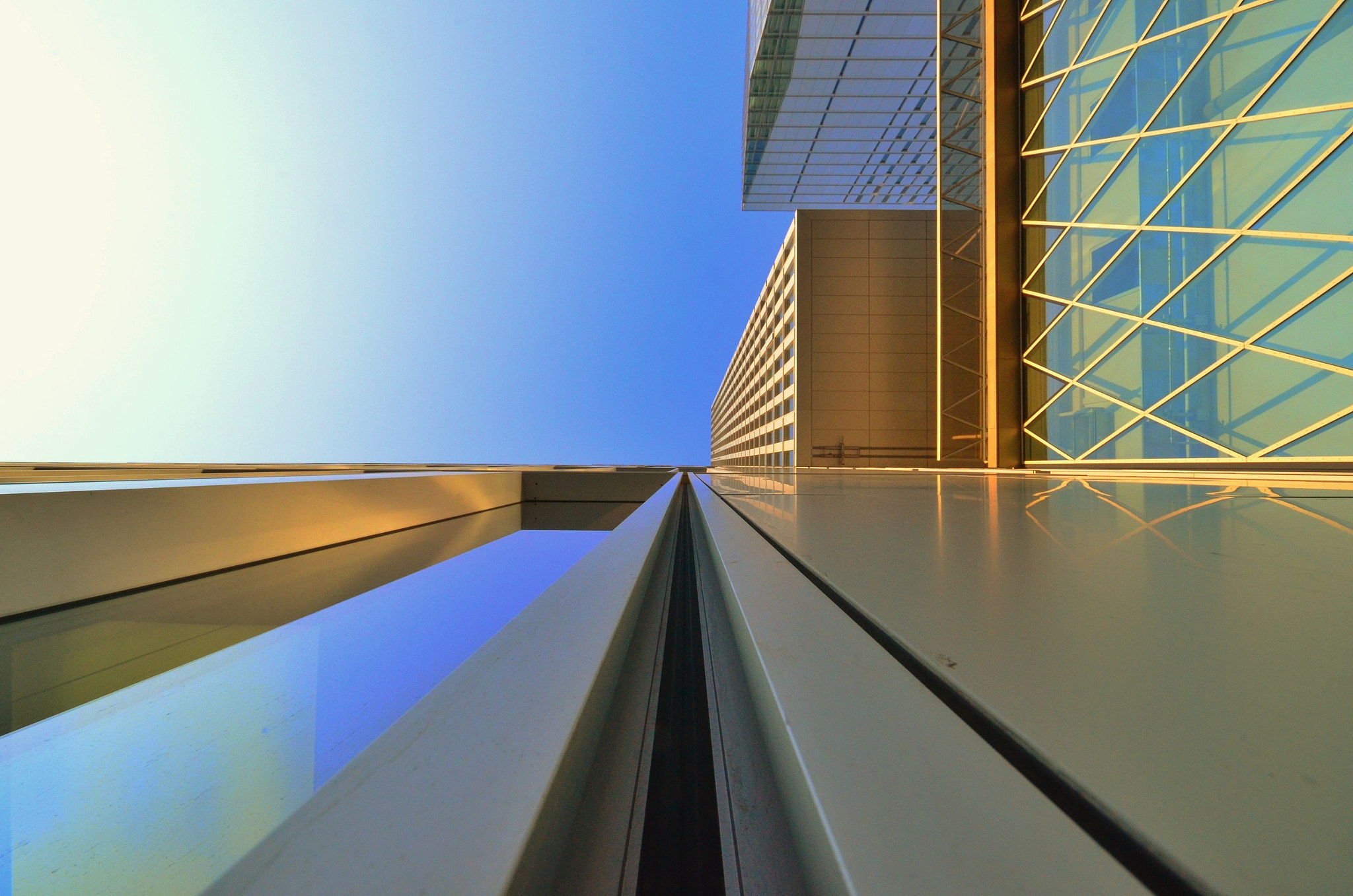 Photograph straight architecture Frankfurt by live impression on 500px