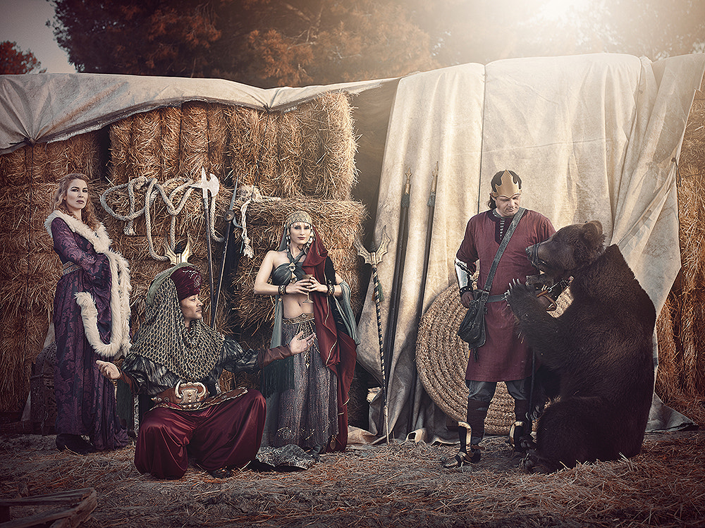 Photograph The misterious bear by Rebeca  Saray on 500px