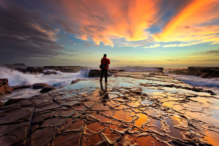 Photograph Waiting for the big wave by Paparwin Tanupatarachai on 500px