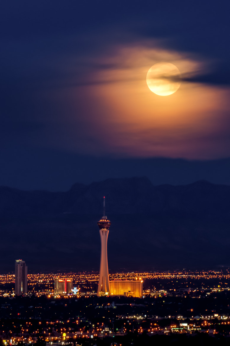 Photograph Moonset in Las Vegas by David Walker on 500px