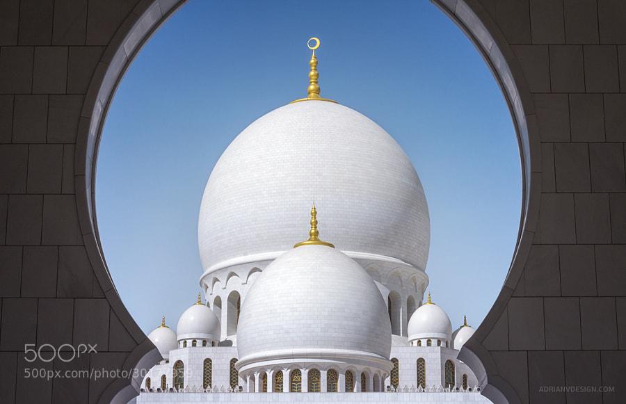 Sheikh Zayed Grand Mosque by Adrian Vörös on 500px.com