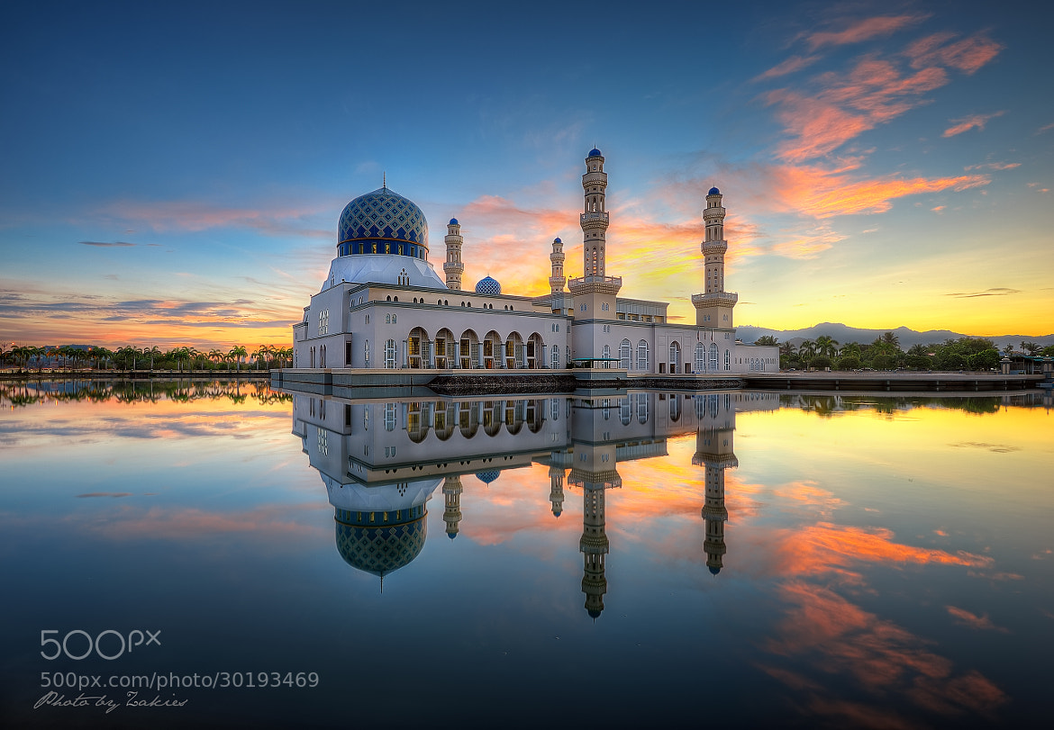Photograph Likas Mosque by Mohd Zaki Shamsudin on 500px