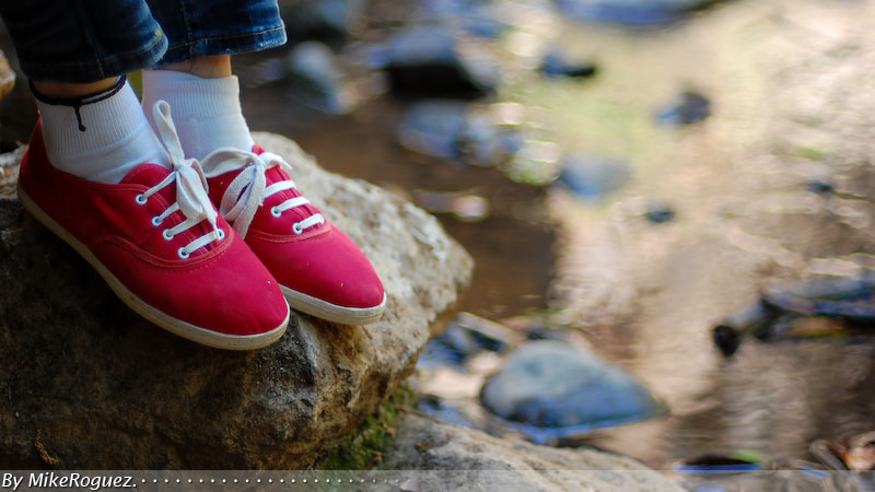 Photograph Her red shoes by Mike Roguez on 500px
