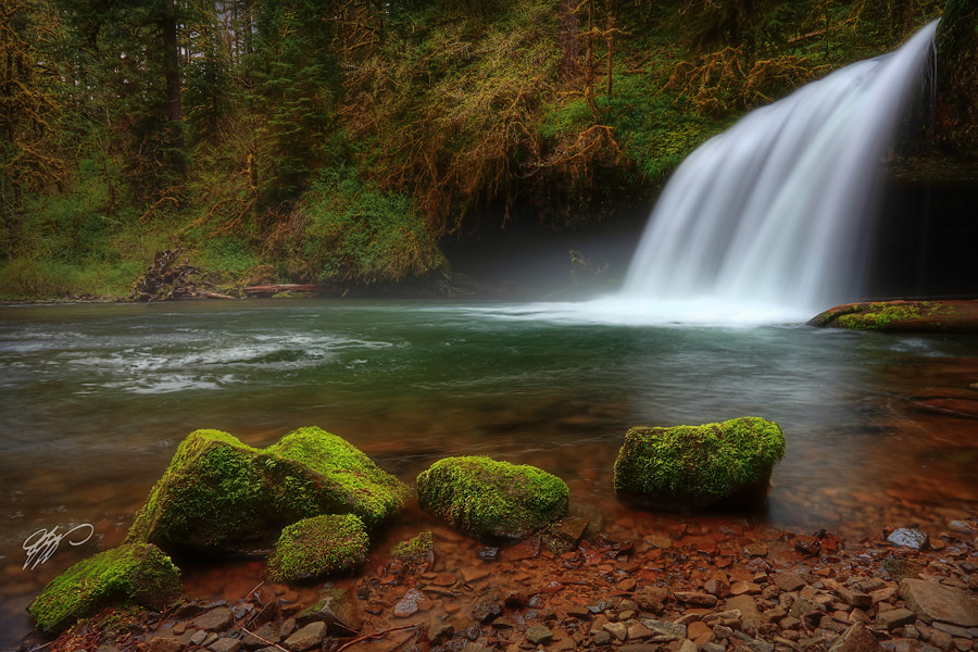 Photograph Front Row Seats II by Tula Top on 500px