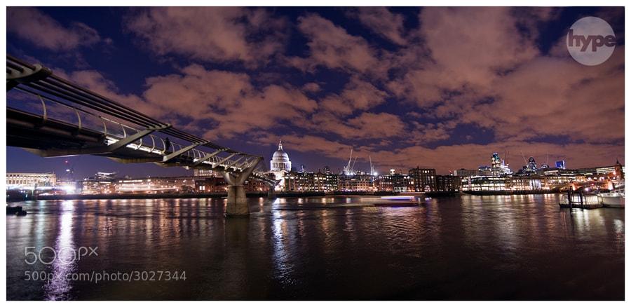 Photograph London Calling by Stuart Freeman on 500px