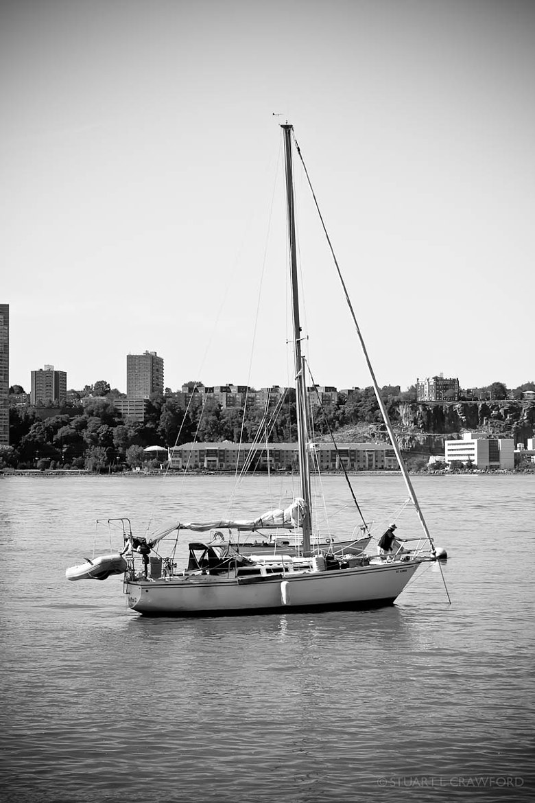 Photograph Boat in the Hudson by Stuart Crawford on 500px
