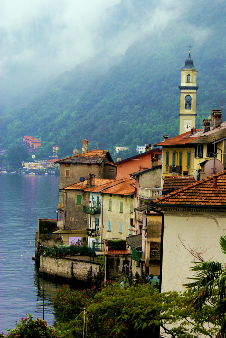 Photograph Casas en Lago di Como by Sergio Bornemann on 500px