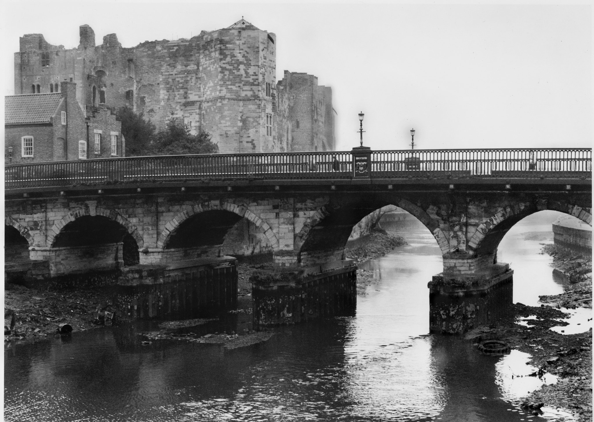 Photograph Newark Castle and Trent Bridge,Notts by George Goddard on 500px