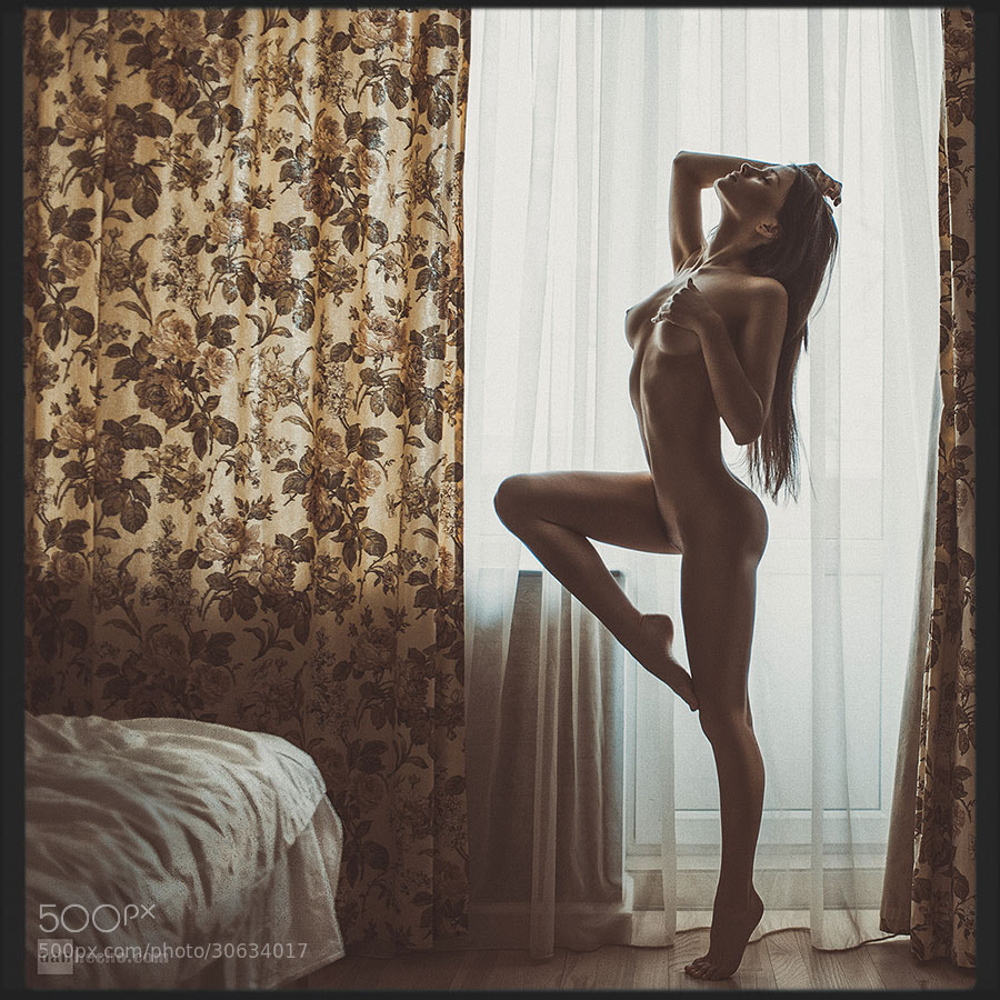 Photograph her morning elegance by Dan Hecho on 500px