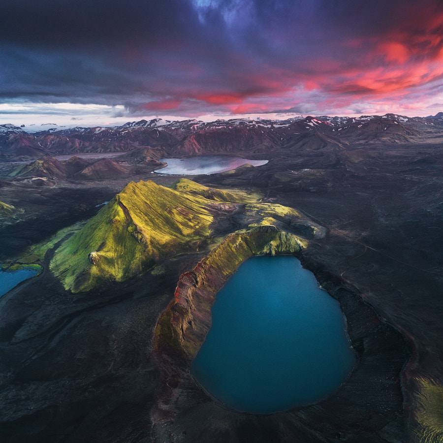 Icelandic Highlands oleh Drone oleh Iurie Belegurschi di 500px.com