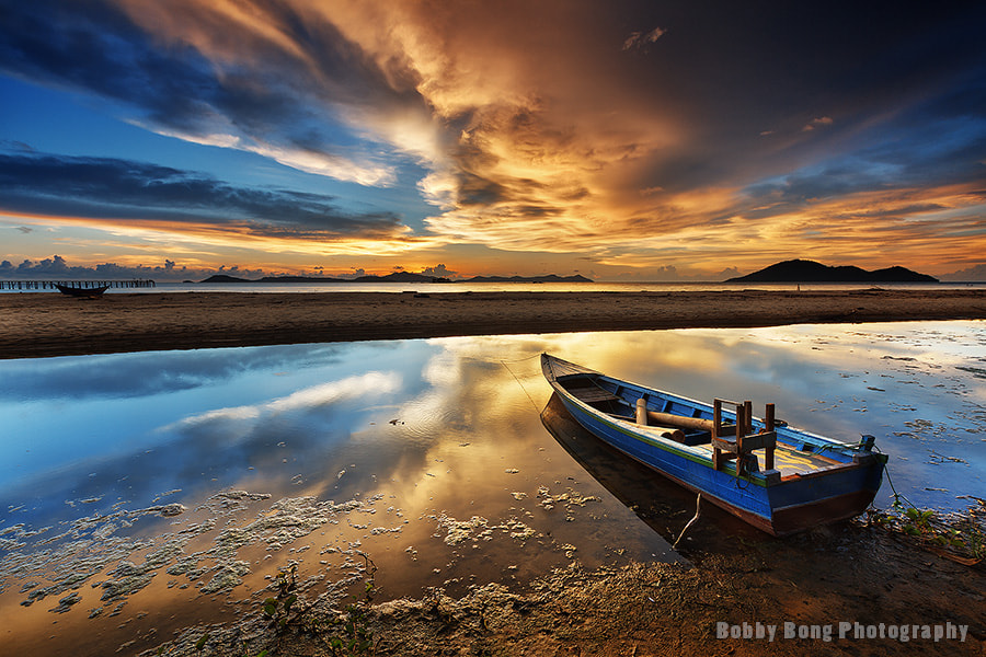 Photograph Gold & Blue Reflection by Bobby Bong on 500px