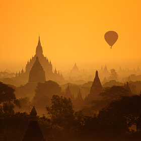 One day in Bagan by Puchong Pannoi on 500px.com