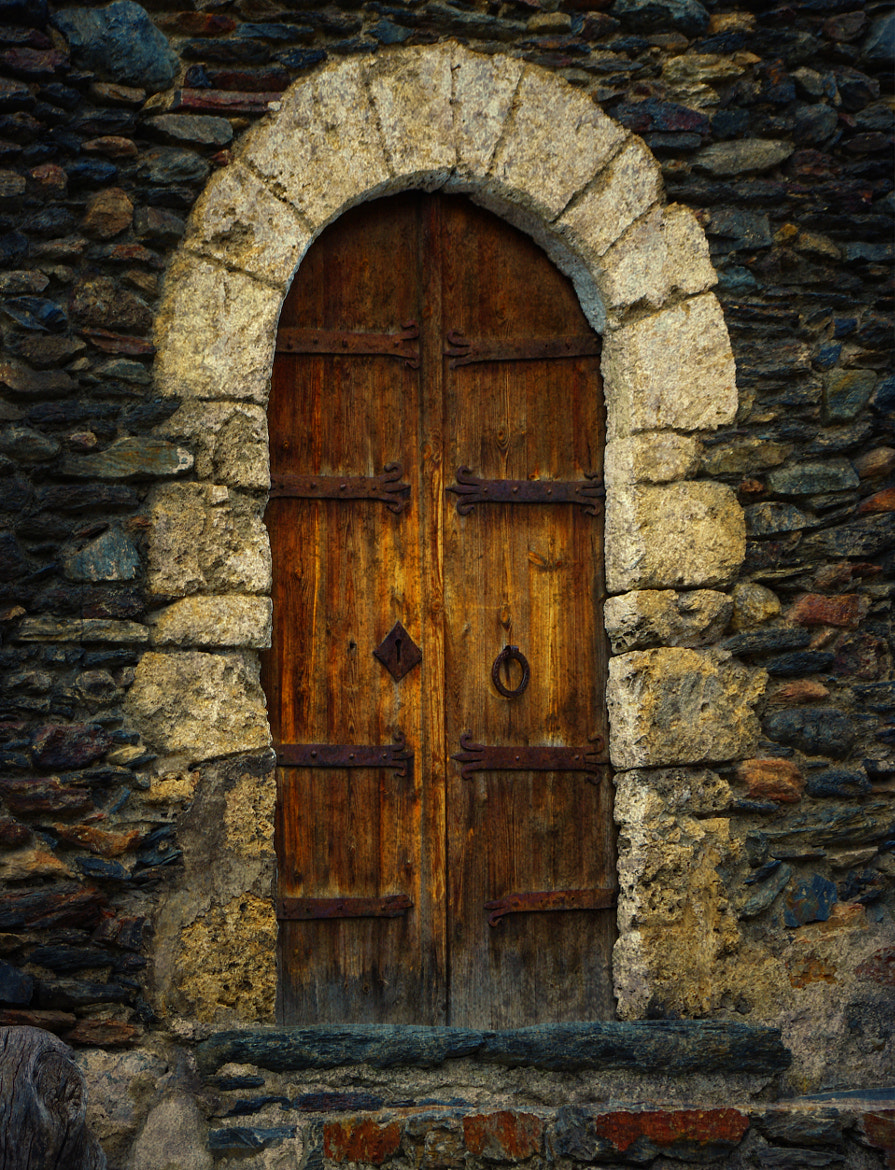 Photograph ancient door by Manel Camps on 500px