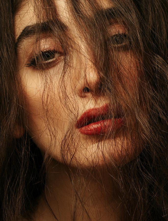 Distracted by Babak Fatholahi on 500px.com