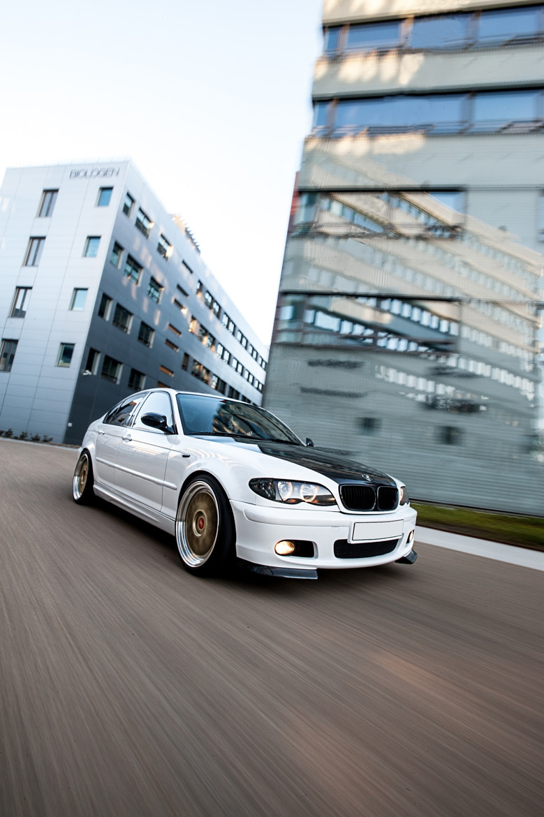 Photograph BMW on the move by Edd A Garvik on 500px