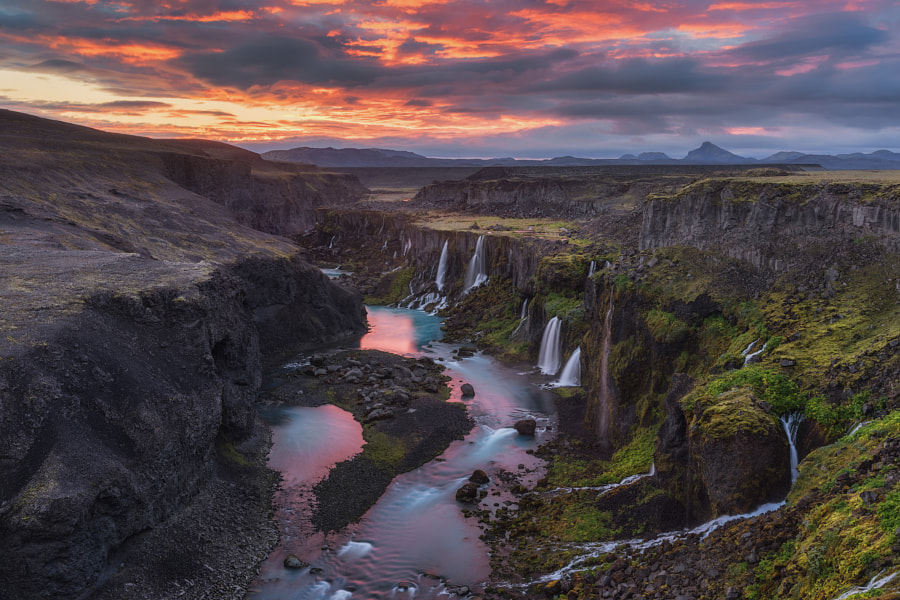 landscape photography - Midnight Sun at the Valley of Tears by Iurie Belegurschi on 500px.com
