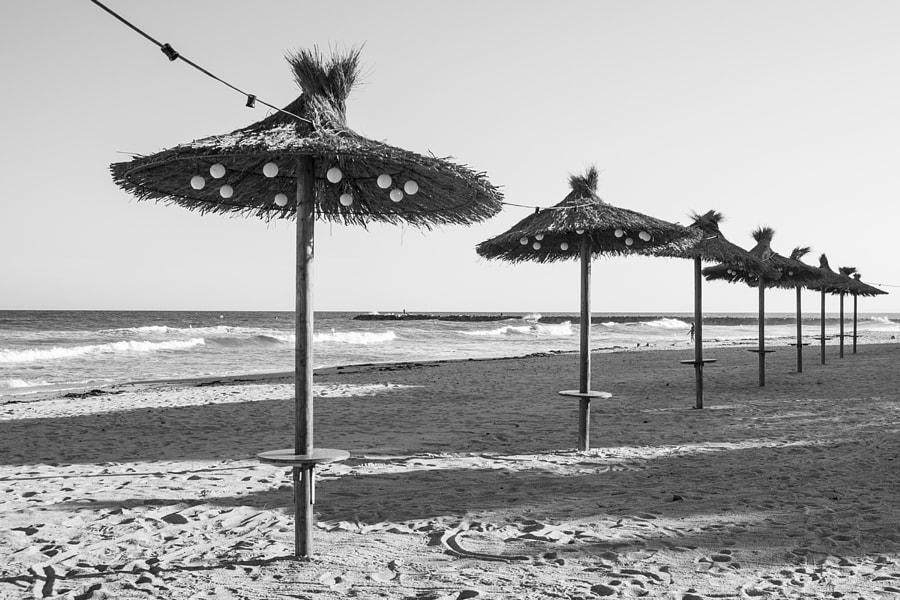 Beach umbrellas conection by Ana V. on 500px.com
