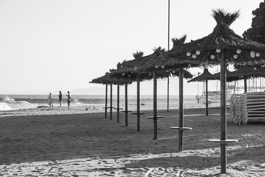 Enjoying the beach by Ana V. on 500px.com